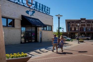 Riverloop Exposition Plaza
